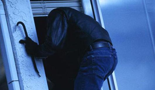В Удмуртии семья спряталась от грабителей в подполье