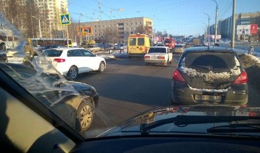 В Ижевске на пешеходном переходе сбили глухонемую девочку