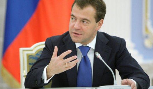 Дмитрий Медведев рассказал о влиянии санкций на Россию и нефтяной зависимости