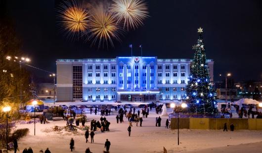 В Ижевске на Центральной площади установят елку с километровой гирляндой