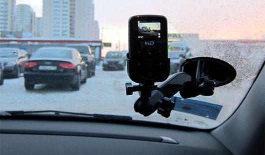 С 14 декабря сотрудники ГИБДД обязаны уведомлять о видеорегистраторах в своих патрульных автомобилях