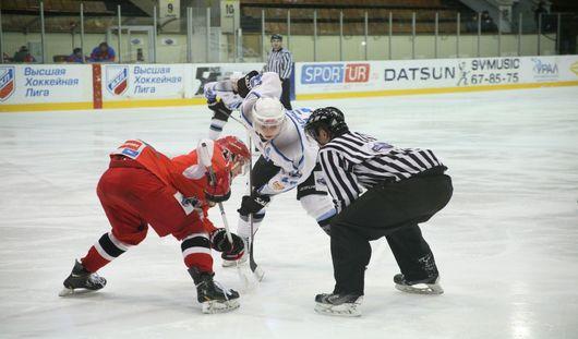 Ижевские хоккеисты с минимальным счетом уступили гостям из Воронежа