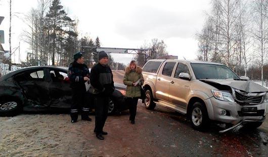 На трассе Ижевск - Глазов столкнулись три легковушки