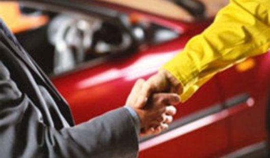 Ижевские автодилеры не приостанавливают продажи машин из-за курса валют