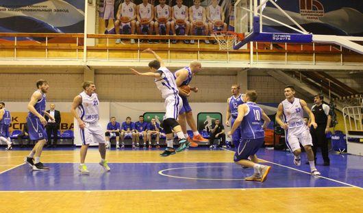 Ижевские баскетболисты проиграли на выезде в Ревде со счетом 86-63