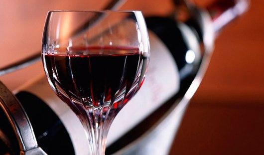 В России вновь разрешили рекламировать вино и пиво по телевидению