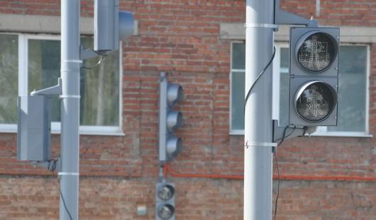 В Ижевске около остановки «Рембыттехника» пешеходный светофор горит на 2 секунды дольше