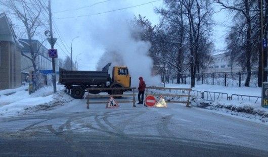 В Ижевске из-за ремонтных работ перекрыта улица Красногеройская