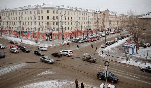 Улица Ленина: парикмахерская «Молодость» и трамвай № 5