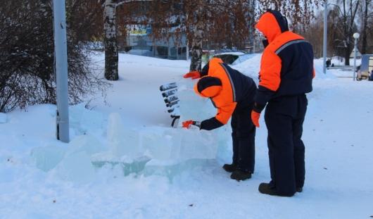 На Центральной площади Ижевска вандалы разрушили ледяные скульптуры