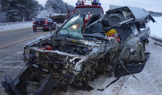 В Удмуртии в ДТП погибли водитель легковушки и его 5-летняя дочь