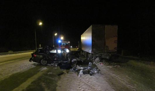 30 декабря на трассе Елабуга - Пермь в аварии погибла женщина