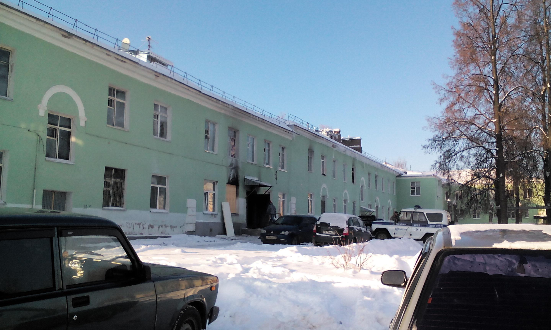 Жителям ижевского дома, в котором произошел пожар, пообещали сделать ремонт к 10 января