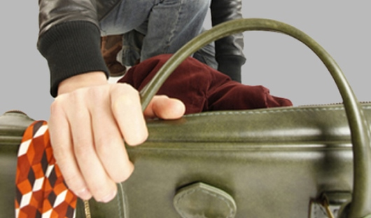 Полицейские по горячим следам нашли похитителя сумки у пожилой ижевчанки