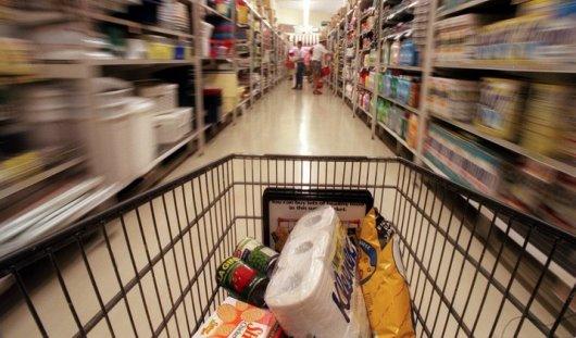 Ижевчанин разбил стекло в супермаркете и украл продукты
