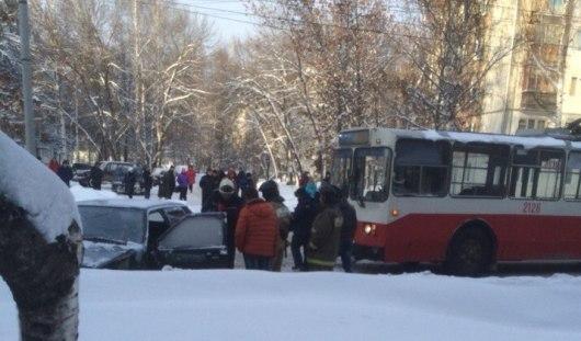 В Ижевске из-за аварии с троллейбусом образовалась пробка