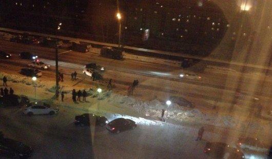 В Ижевске около «Флагмана» на Удмуртской столкнулись три авто и троллейбус
