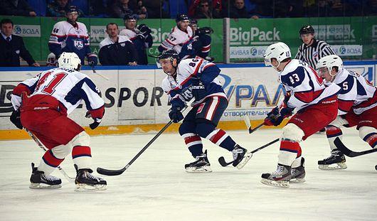 Ижевские хоккеисты прервали серию пяти проигрышей подряд