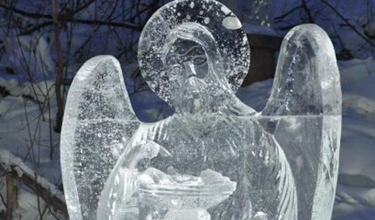 Дорожный коллапс и первые ледяные ангелы: о чем утром говорят в Ижевске