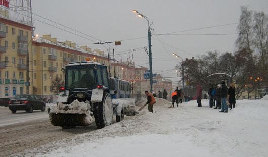 Виктор Савельев дал два дня Администрации Ижевска и Минэнерго скоординировать очистку города от снега