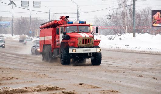 В Ижевске на Воткинском шоссе загорелся автобус