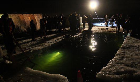 Крещение в Ижевске: пробки перед местами купаний и иностранцы с фотоаппаратами