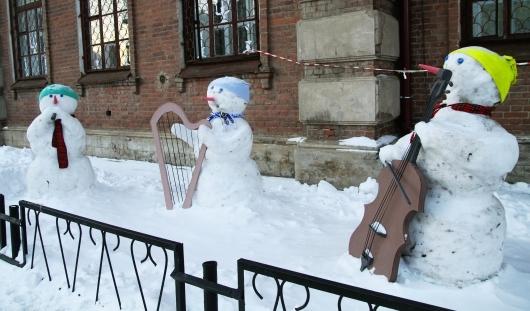 В Ижевске есть снеговики-музыканты