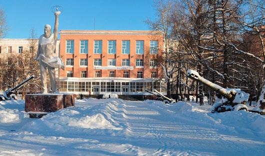 По итогам 2014 года ИжГТУ попал в сотню лучших вузов России по версии международного рейтинга