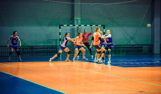 Ижевские гандболистки проиграли на выезде в Тольятти со счетом 43:30