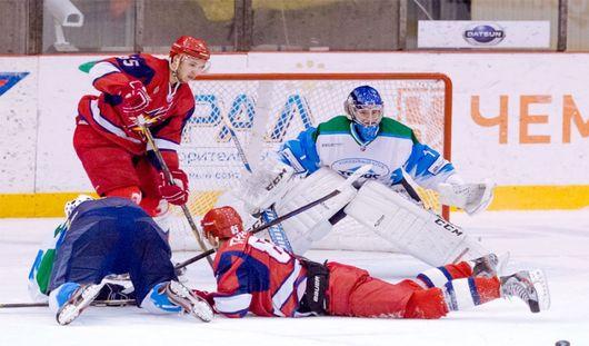 Ижевские хоккеисты выиграли у «Спутника» со счетом 6:2
