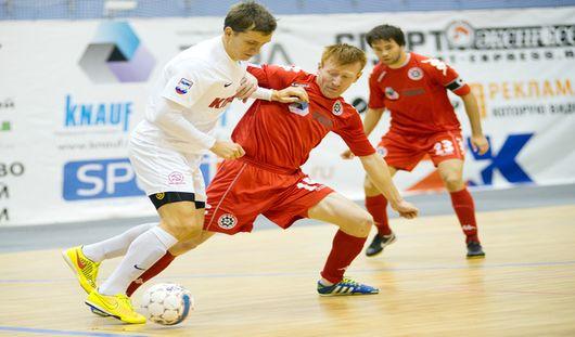 Футболисты Глазова проиграли гостям из Москвы