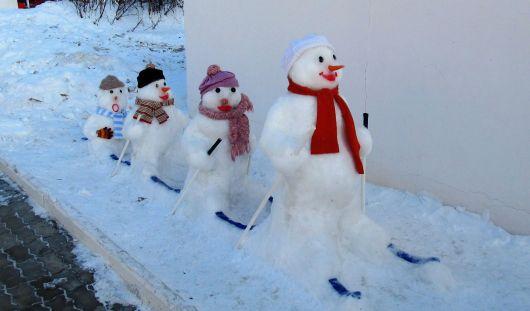 Снеговики своими руками из снега фото