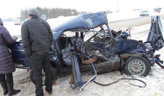 Из-за бесправного водителя в аварии на трассе в Удмуртии пострадала 8-летняя девочка