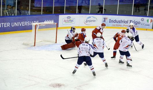 Ижевские хоккеисты Тимур Шингареев и Эдуард Гиматов поучаствовали в разгроме корейцев на Универсиаде-2015