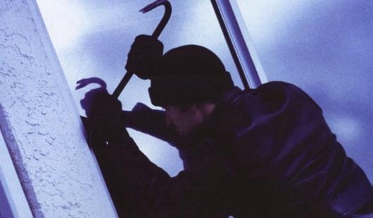 Трое жителей Удмуртии обвиняются в серии квартирных краж