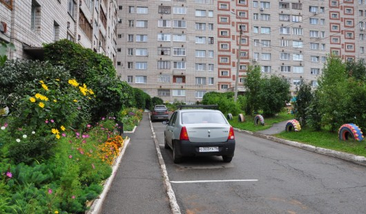 В России могут запретить курение во дворах жилых домов