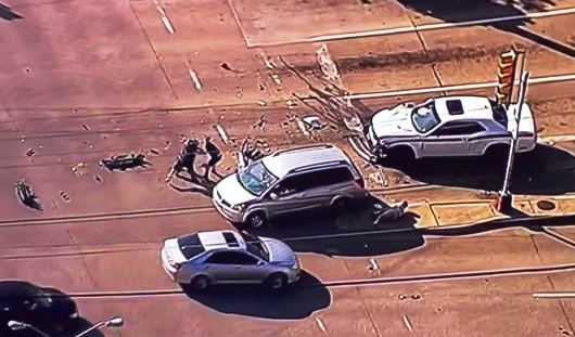 Героиней Youtube стала девушка, которая избила и задержала водителя, врезавшегося в ее автомобиль