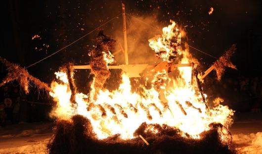 В Ижевске прошел фестиваль огненных скульптур