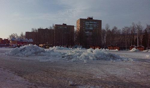 На центральной площади Ижевска снесли ледовый городок