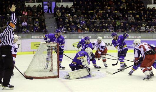 Ижевские хоккеисты выиграли в третьем матче 1/8 финала против казахстанской команды
