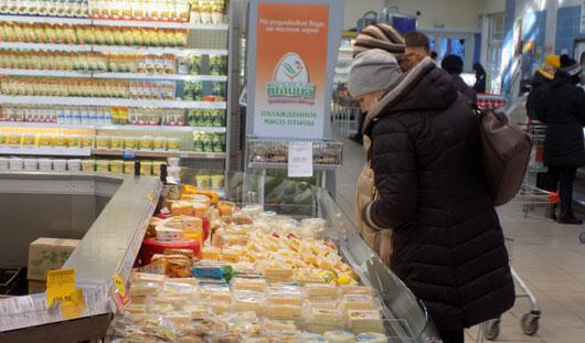 Жители Ижевска стали ходить в магазины чаще, но покупать меньше