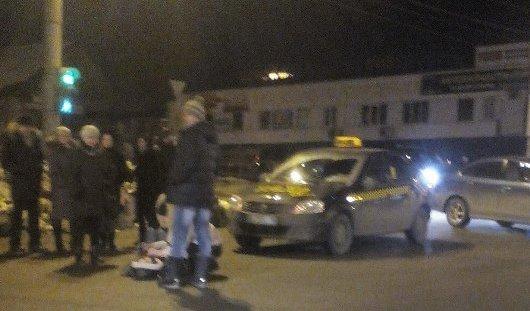 В Ижевске таксист сбил девушку недалеко от рынка на Сенной