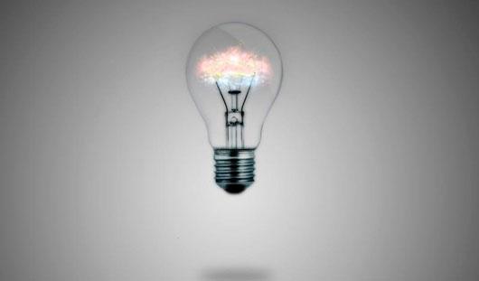 Есть вопрос: Почему засунуть лампочку в рот можно, а вынуть нельзя?