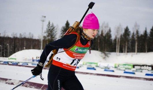 В память об Алине Якимкиной российские биатлонисты выйдут на спринты ЧМ с траурными лентами