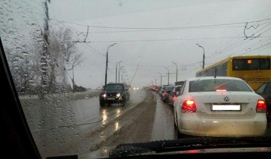 Проснувшиеся сурки и «каша» на дорогах: о чем говорят в Ижевске этим утром
