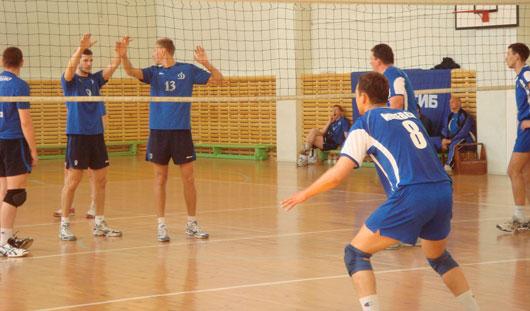 Ижевские волейболисты завершили первый финальный тур чемпионата России Высшей лиги