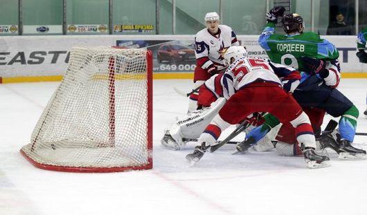 Ижевские хоккеисты выиграли в первом матче серии 1/4 финала плей-офф со счетом 3:1