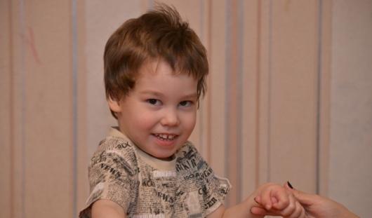 Нужна помощь: трехлетний Лева из Ижевска мечтает научиться ходить и говорить