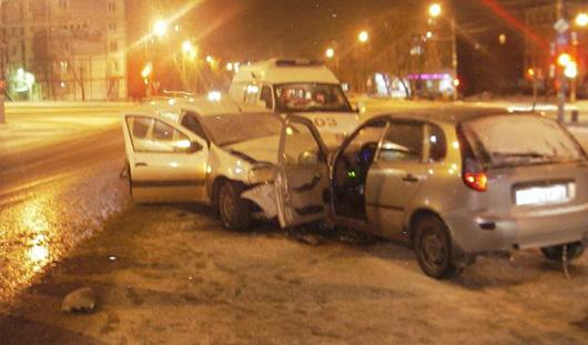 В Ижевске пьяный водитель «Калины» скрылся с места ДТП и устроил еще одну аварию