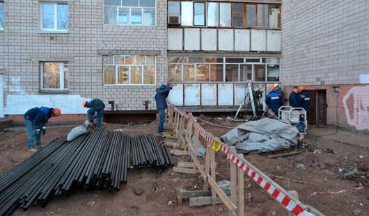 Глава Администрации Ижевска проверил ремонтные работы в доме № 206 на улице Удмуртской